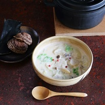 レシピ画像:里芋と白菜のそばクリームシチュー