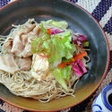 レシピ画像:米豚しゃぶサラダの味噌ジンジャーそば