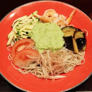 レシピ画像:小海老と夏野菜のずんだ蕎麦