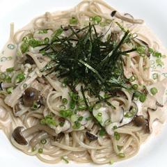 レシピ画像:パスタ風そば(明太子ときのこのクリーム)